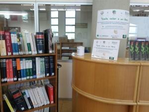 Dale valor a un libro en la Biblioteca de Derecho UAM